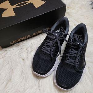 ⬇️⚡NWB UA Micro G Speed Swift 2 Runners